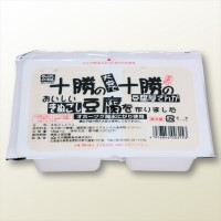 十勝の十勝の絹ごし豆腐パッケージ